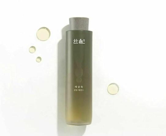 hanyul Artemisia Miracle Relief Essence review korean skincare with mugwort