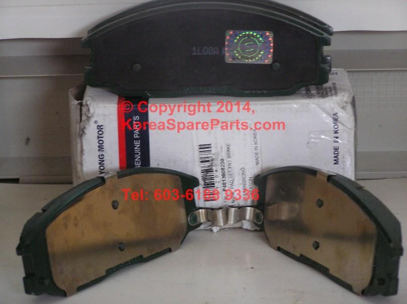 Brake Pad Set Front 4813008260