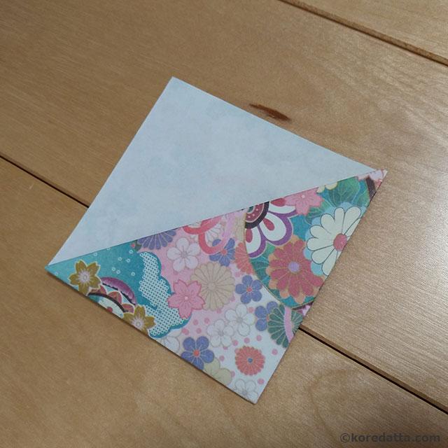 100均の折り紙で和柄のしおりの簡単な作り方