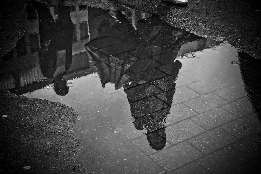 Dios sigue con la lluvia - Miguel Angel Avilés Castro