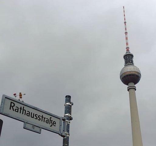 Nummer 1001 Rathausstraße fotografiert von @Elena