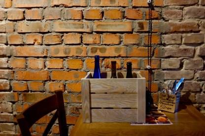 Ящик для вина деревянные декоративный. Элемент декора для кафе и ресторанов.