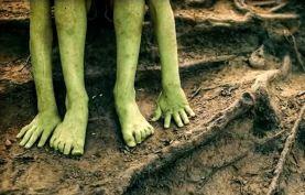 Странные зеленые дети Банджо.