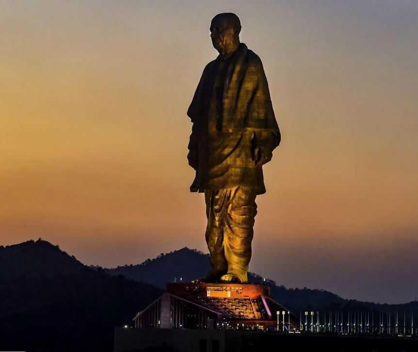 Самая высокая статуя в мире - теперь в Индии.