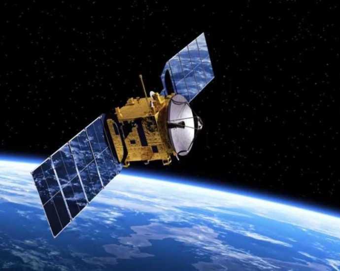 Спутники и зонды.