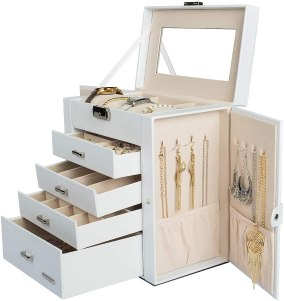 Gift for organized people: jewelry organizer