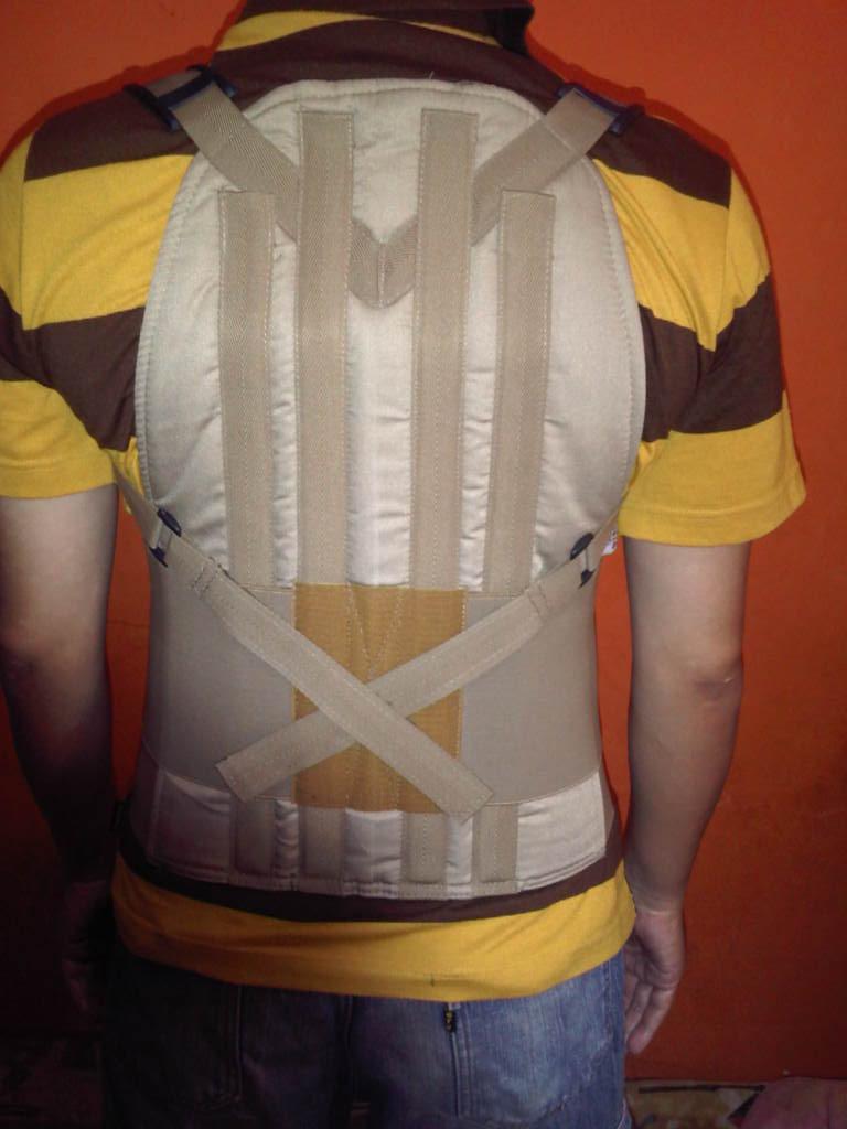 Korset Penyangga Tulang Belakang  Terbukti Mengurangi Sakit Pinggang