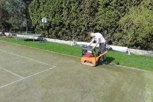 Kort tenisowy ze sztucznej trawy Glob Grass wyrównywanie nawierzchni (640x480)