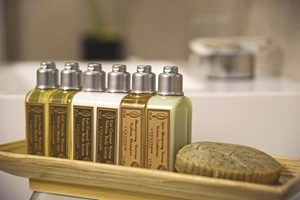 sc-suite-bathroom-loccitane1