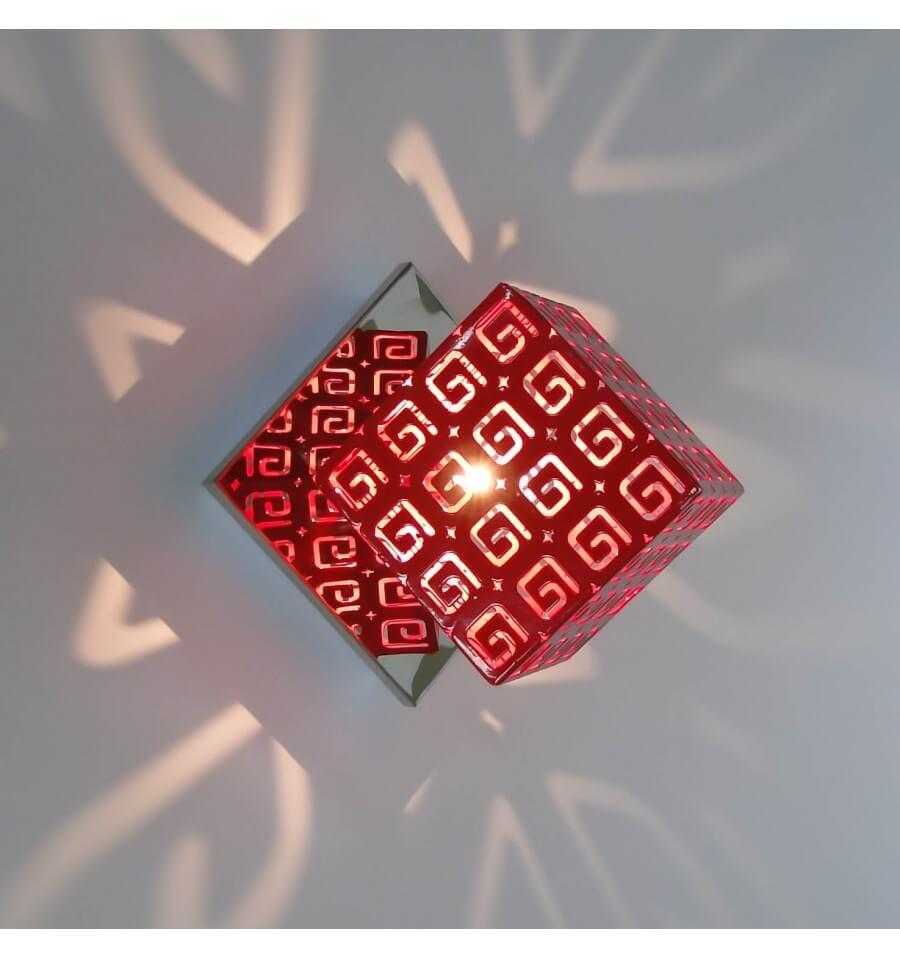 Applique Rouge Design Contemporain