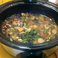 Kale is the new spinach              (Subtitle: Healthy Crockpot Recipe: Tuscan Chicken Sausage, Kale and Vegetable Soup)