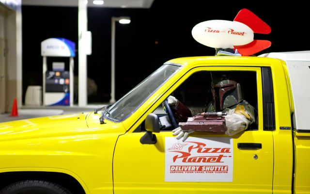 71-1988-toyota-pickup-pizza-planet-boba-fett