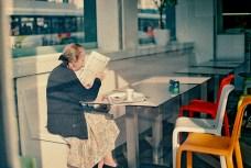 woman_cafe_web