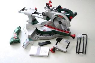 Bosch PCM 8 S Kapp- und Gehrungssäge mit Zugfunktion