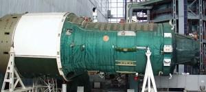 Stanice OPS-4 se stykovacím uzlem pro lodě 7K-T na přídi