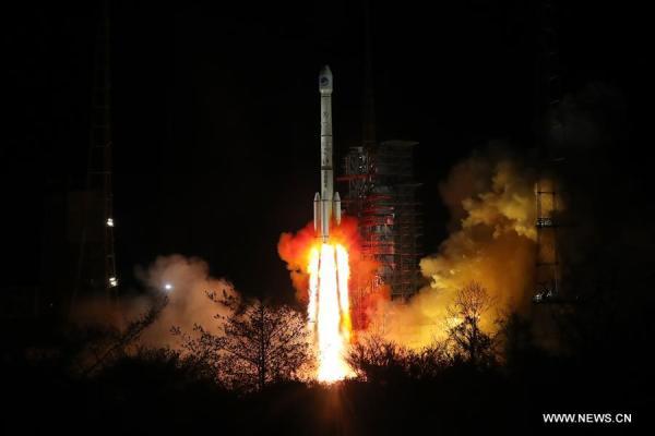 Start rakety CZ-3B