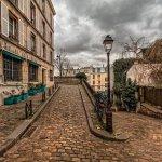 『凱旋門』断片的な情報から想像してパリの世界へ行ってみる