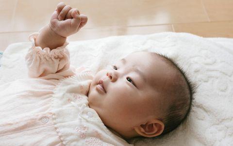 赤ちゃんがテレビを見る時の注意点!いつから見せて大丈夫?光や音の影響は?