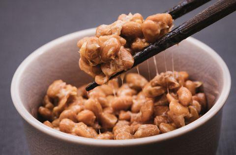 【赤ちゃん離乳食】初めての納豆はいつから?そのままあげていいの?