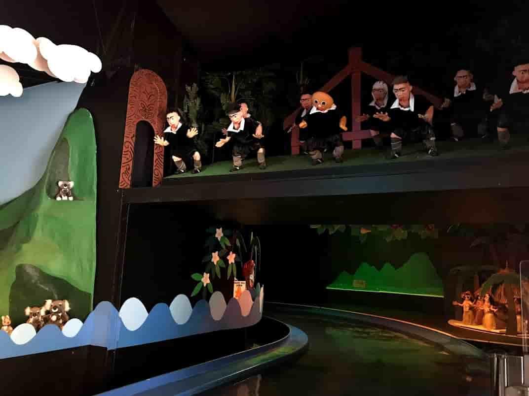 ジンジャーファクトリーのアトラクションのボートからの光景  ©Kosodatebrisbane.com