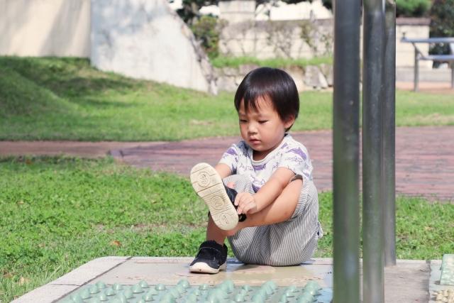 子供 靴 自分で履く