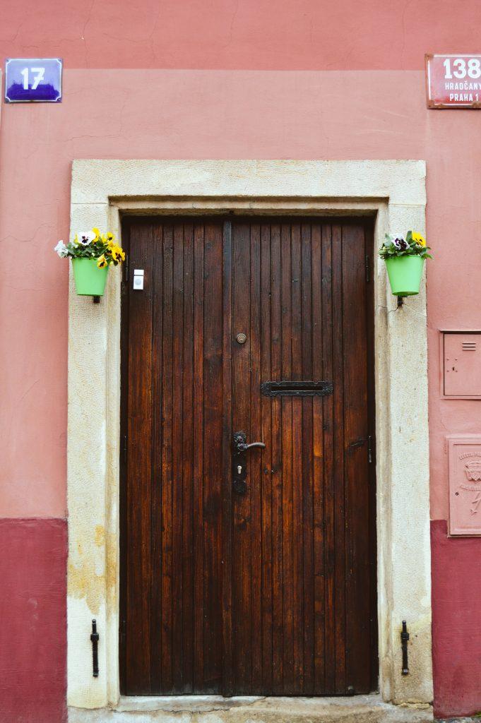 Beautiful door, Prague