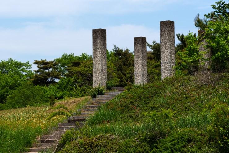 ひたち海浜公園内にある遺跡っぽいオブジェ