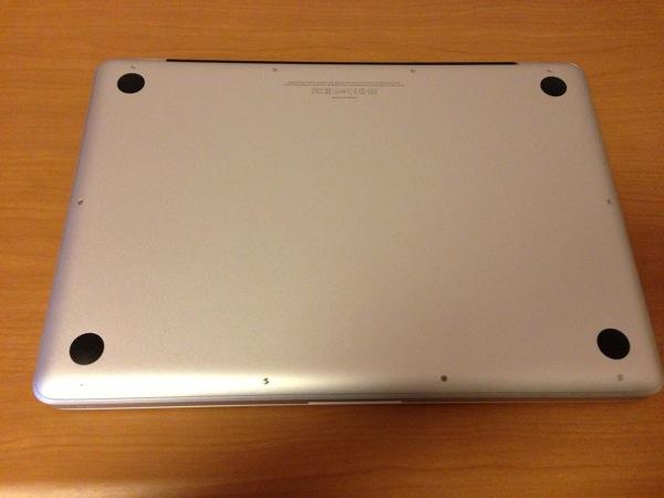 MacBook Pro上側