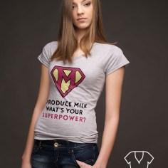 Koszulka z nadrukiem - krój klasyczny, dekolt w serek - od koszulove.com I produce milk what's your superpower