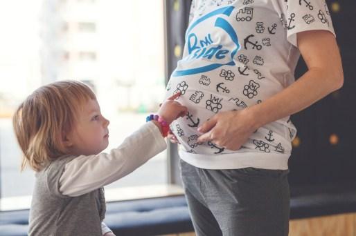 Kalince bardzo spodobał się miś z koszulki fullprint dla mam w ciąży