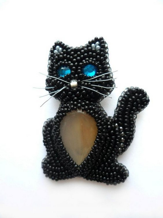 beaded_brooch_cat-2