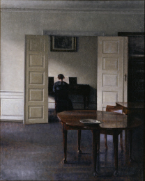 ハンマースホイ「ピアノを弾く妻イーダのいる室内」