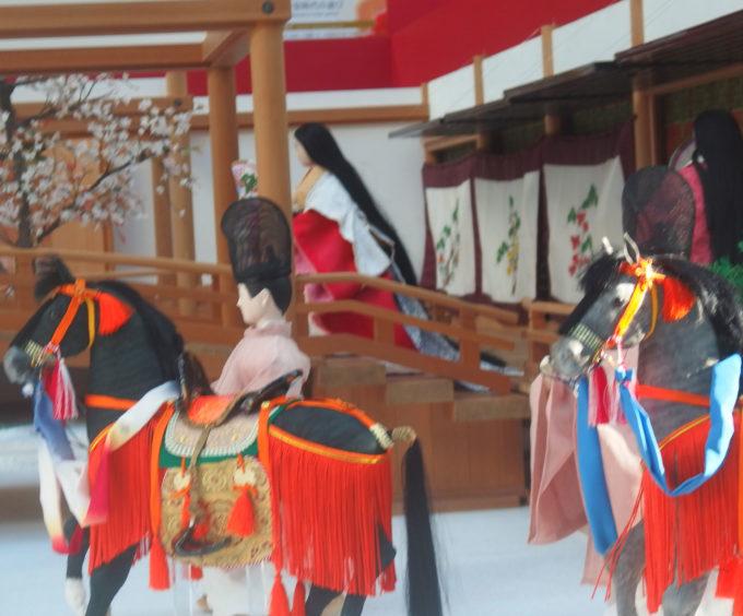 「平安王朝文化絵巻」「即位の美・儀式の美」東京フォーラムロビーギャラリー 2019 源氏物語と平安装束が沢山。