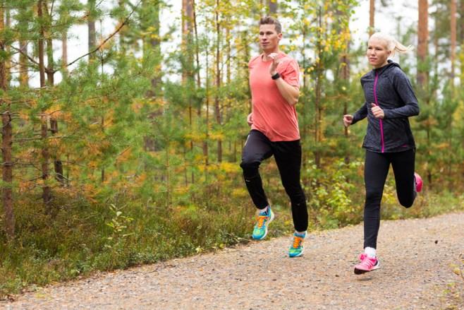 Janne Kivelä on vaimonsa Anniina Wallingin valmentaja.