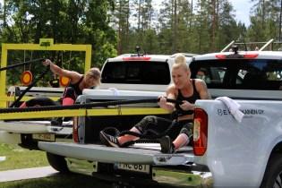 Elisa Karjalainen kiskoi narulla autoa rivakkaa tahtia. Muu osa rataa ei mennyt yhtä nappiin.
