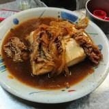 難波屋。西成・あいりんツアーラストは、枝豆と焼肉が同じ値段の居酒屋へ