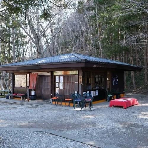 3月の秋保大滝わきの茶店の写真