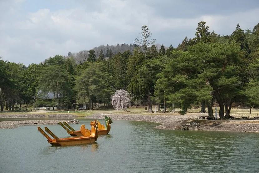 世界遺産毛越寺の春の写真