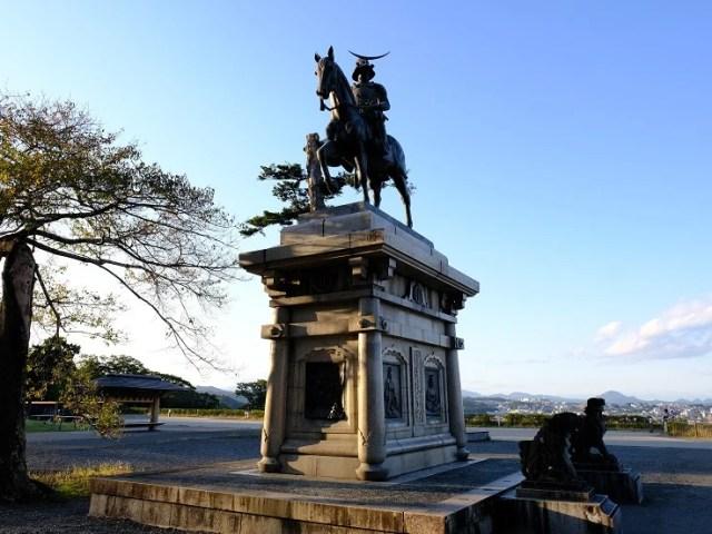 青葉城址公園の伊達政宗像