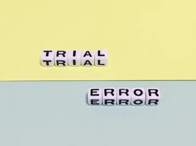 試行錯誤のイメージ写真