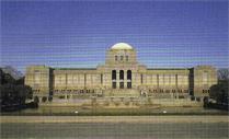 創立当初~昭和29年9月:聖徳記念絵画館の一部を借用 (写真 聖徳記念絵画館所蔵)