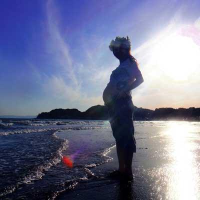 ASMR動画の快楽は,胎児が羊水で聞く音に近いから?