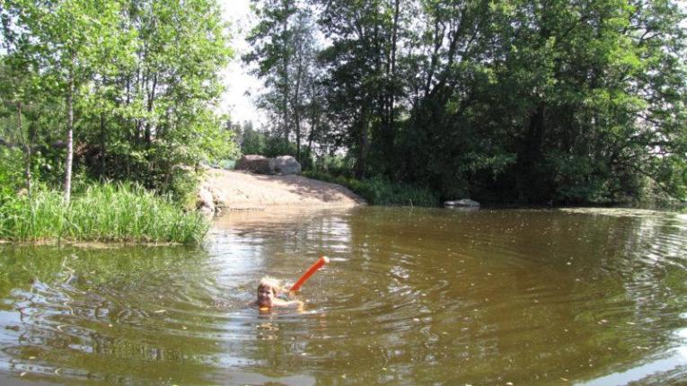 Hiekkainen uimaranta