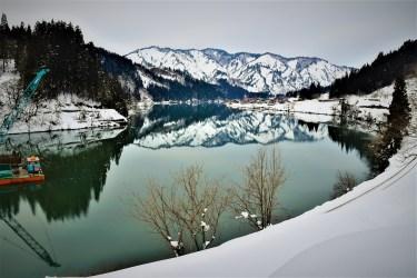 おすすめ撮影スポット「福島県金山町」冬の風景、只見川と山並み、集落