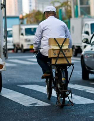 高齢者の自転車利用調査 週1回以上の利用は、クルマを上回る
