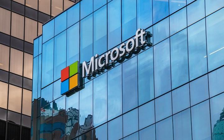 Microsoft. Μεγάλη επένδυση €1 δισ. στην Ελλάδα.