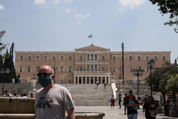 Reuters: «Η Ελλάδα πιο αποτελεσματική στον περιορισμό της πανδημίας από άλλες Ευρωπαϊκές χώρες»