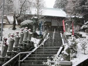 境内も雪景色
