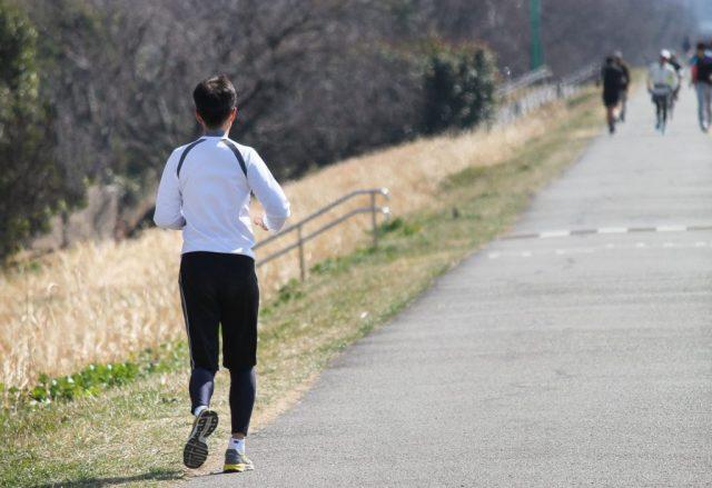 ジョギング前に体操を