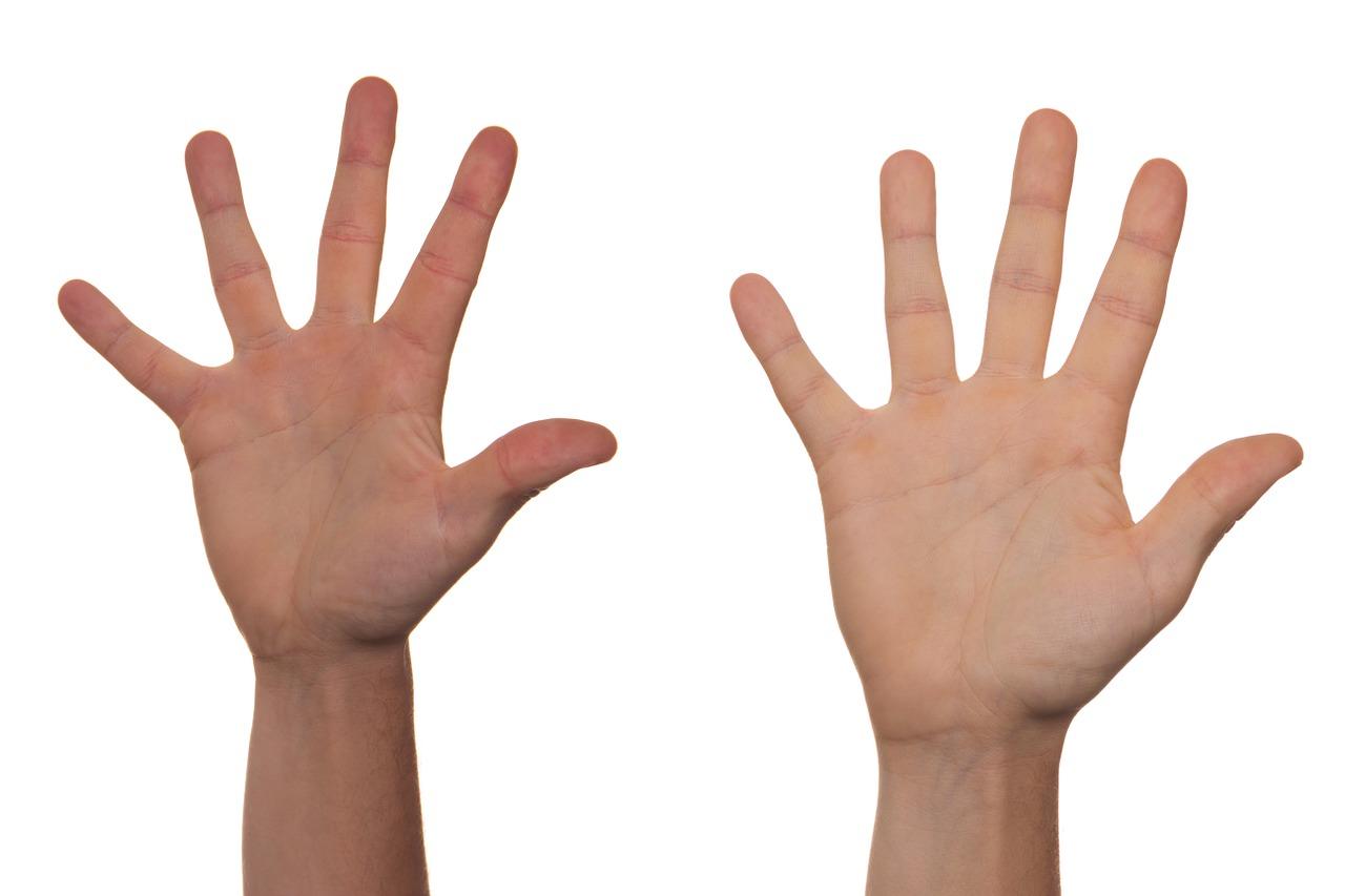 手のひらのぶつぶつがかゆいし痛い!?赤い水泡や湿疹の原因は病気?